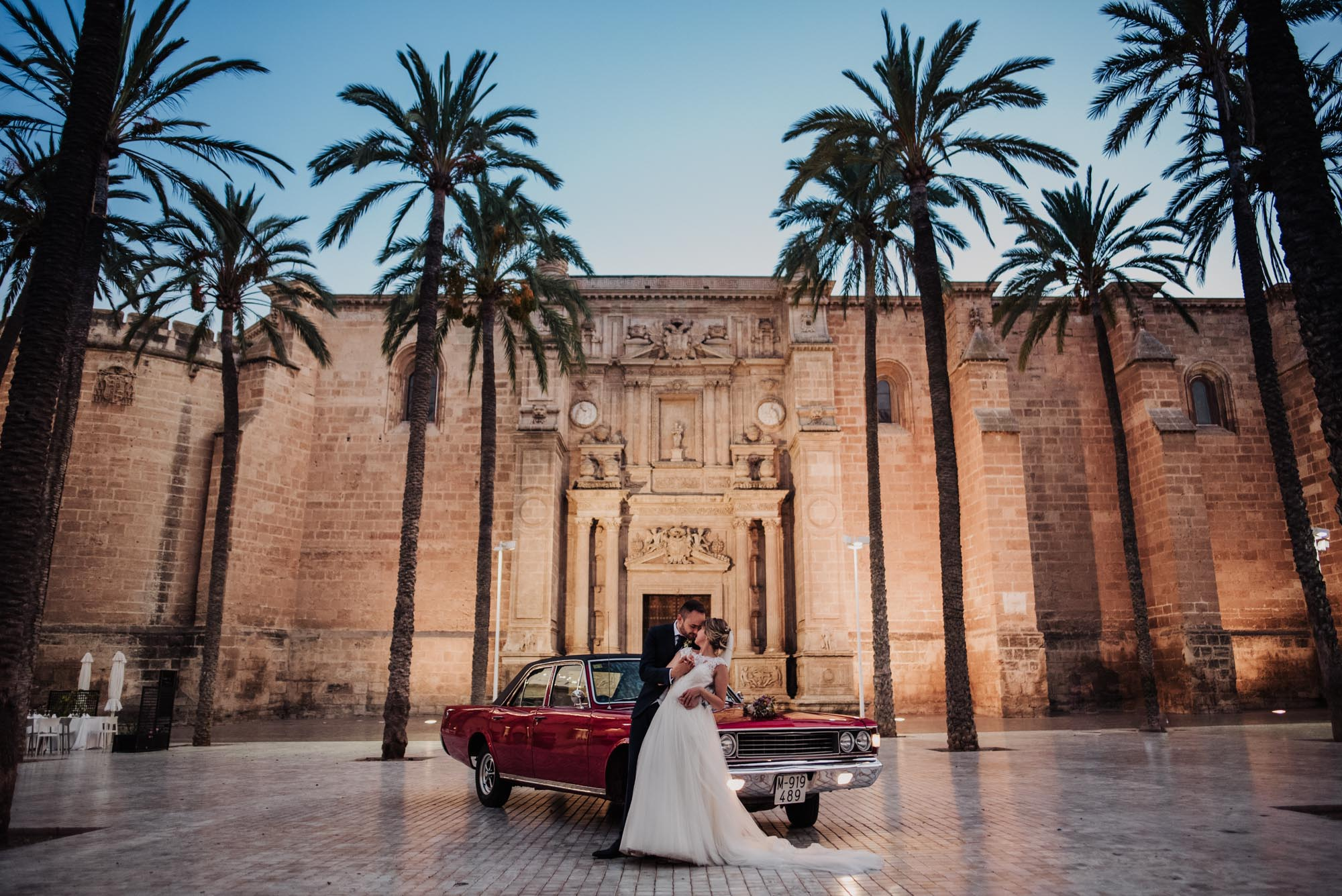 Destacada Ana y Adrian. Boda en Parroquia San Juan Evangelista y Restaurante Casa Rafael, Almería. Fotografo de bodas en Almería